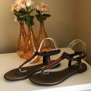a.n.a sandals. Size 9M. Brown w/red/camel accents